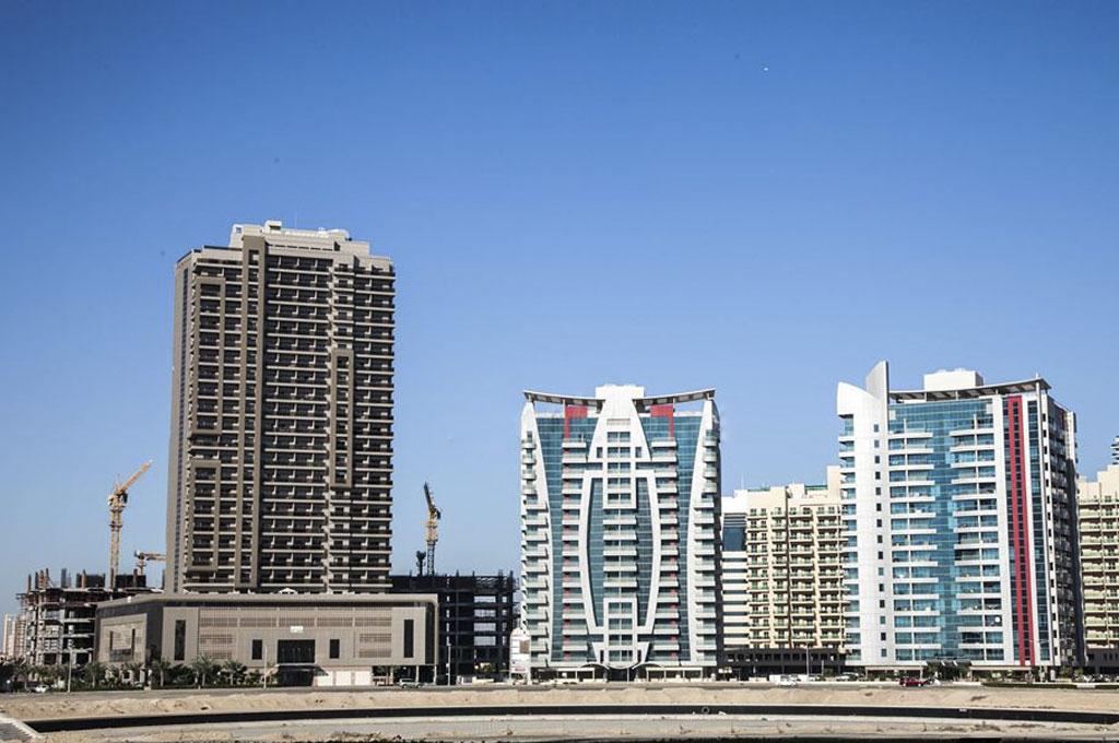 hub-canal-tower1-dubai-sports-city-04